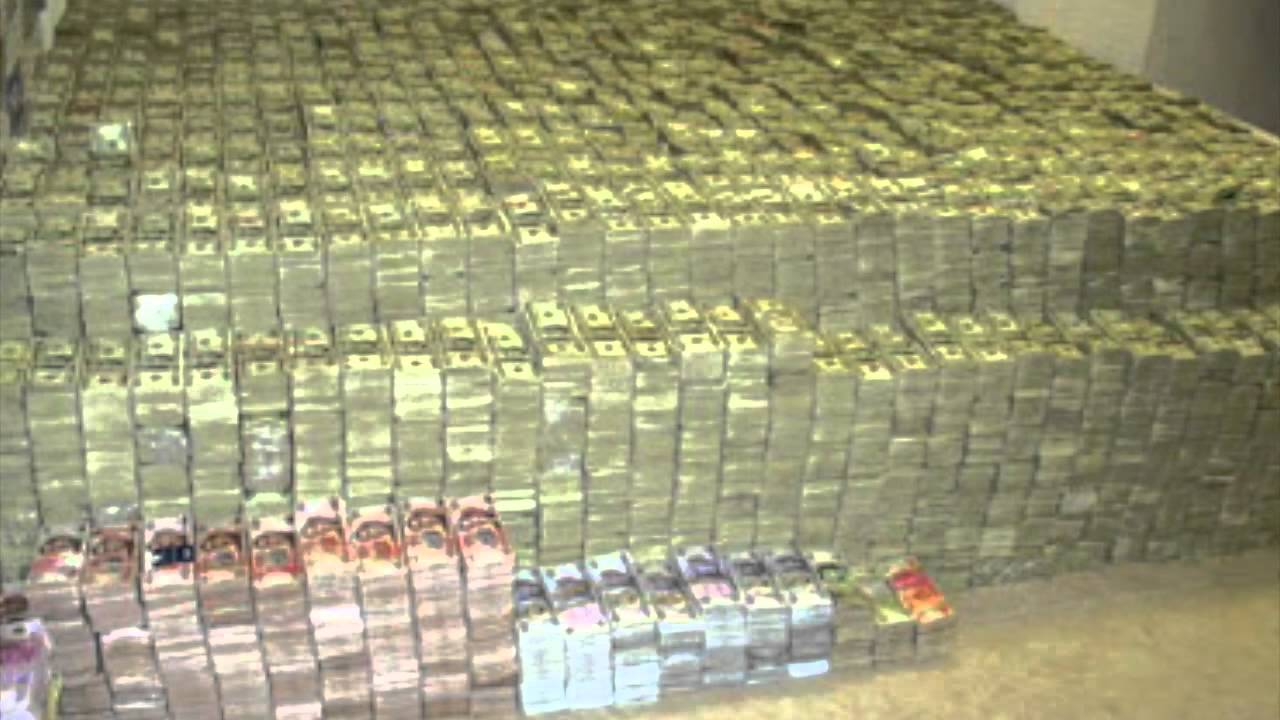 What does 1 billion dollars look like