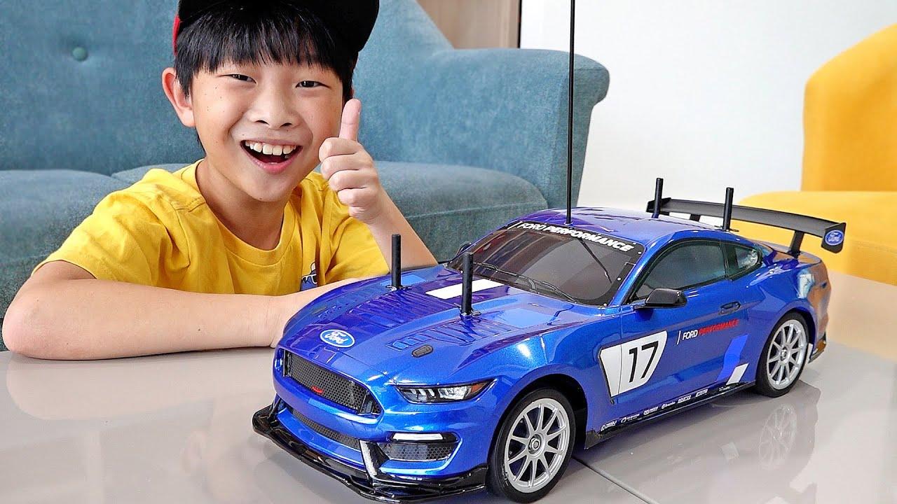 예준이의 자동차 장난감 조립놀이 RC 카 전동차 만들기 게임 플레이 Build RC Car Toy Assembly