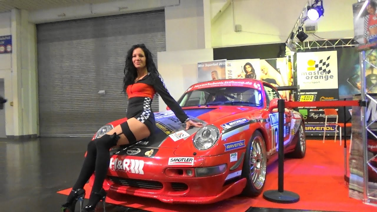porsche 911 gt2 993 sexy hostess essen motor show 2015 youtube. Black Bedroom Furniture Sets. Home Design Ideas