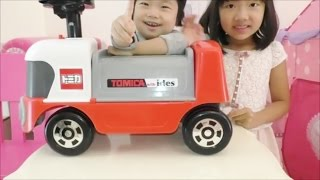 ★Tomica´s ride-on toy★乗用玩具トミカサーキットトレーラー★