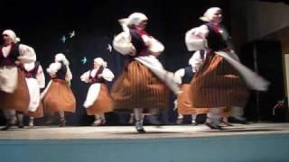 Rõngu rahvatantsu tantsijad