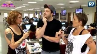 Danilo Gentili se irrita e abandona gravação do Tricô dos Bróder
