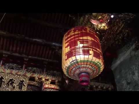 An artistic tour around a Chinese temple in Penang