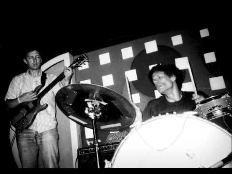 Deerhoof - This Magnificent Bird Will Rise (live)