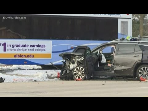 Woman Dies In Grand Rapids Crash