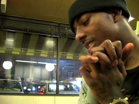 Travis Porter at the waffle house - What Comes On A Sausage Biscuit