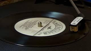 Слушаем старые пластинки -  ЛЕЙСЯ ПЕСНЯ - КТО ТЕБЕ СКАЗАЛ (Оригинал для сериала Счастливы вместе)