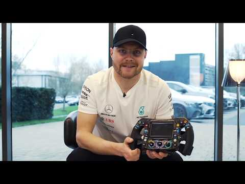 Valtteri Bottas legt 2019 Mercedes F1 stuurwiel uit