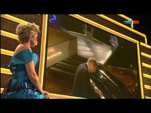 Inka Bause singt 'Glück' mit Helga Hahnemann im Duett | Die Goldene Henne 2012 | MDR | RBB | ARD
