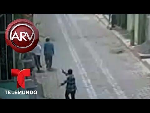 Un sicario asesinó a 2 personas a plena luz del día | Al Rojo Vivo | Telemundo