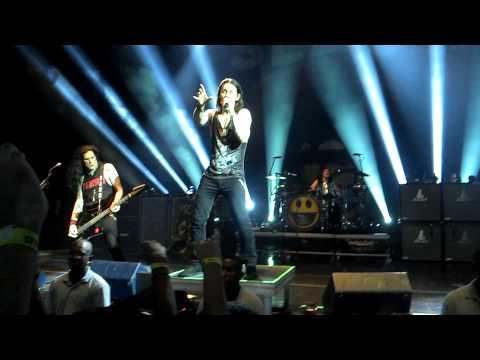 Slash & The Conspirators - Communication Breakdown (Led Zeppelin) Rio de Janeiro - 2015