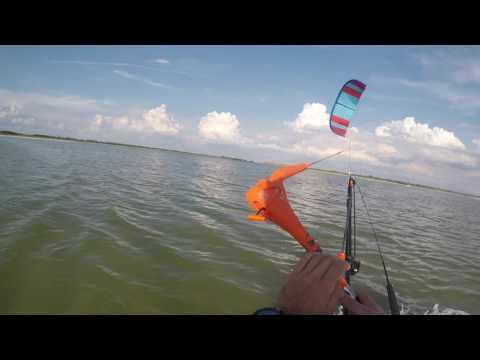 Kiteboarding in Lightwind 7 - 10mph