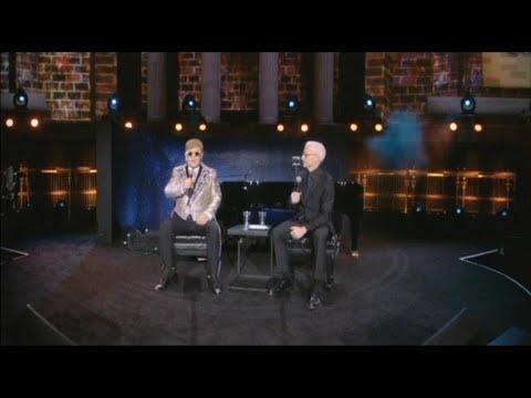 Elton John announces upcoming tour will be his last