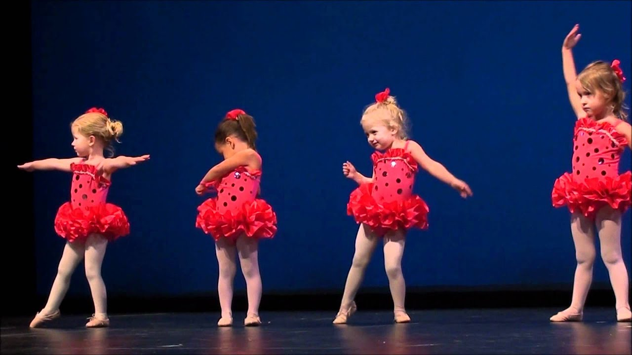 """Download Claire's First Ballet Recital, """"My Favorite Things"""".wmv"""
