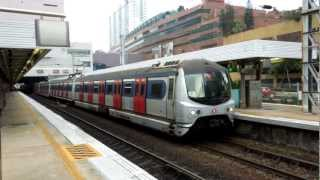 香港鉄路東鉄線沙田駅メトロキャメル電車