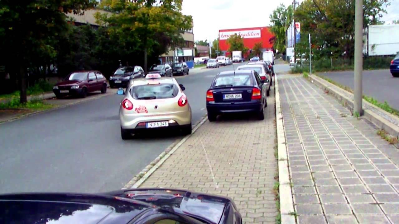 Milf Arsch beim Parken