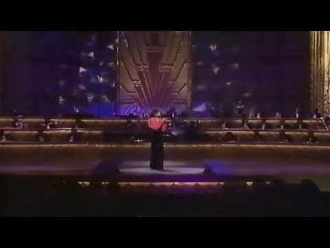 "Whitney Houston - ""One Moment In Time"" Live 1990 (Tribute To Sammy Davis Jr)"