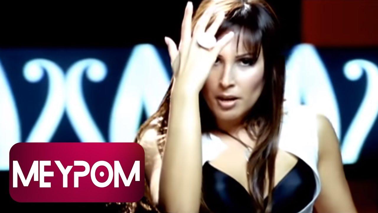 Funda Arar - Benim İçin Üzülme -  (Official Video)