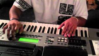Polynesian Scott Storch making a reggae / hip hop beat (w/ short drum freestyle)