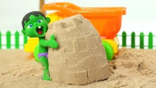 BABY HULK PLAYS WITH SAND ❤ Spiderman, Hulk & Frozen Play Doh Cartoons For Kids