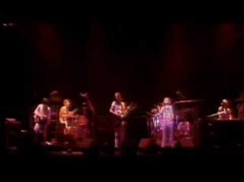 Genesis - Fly On A Windshield/Carpet Crawlers - Six Hours Live