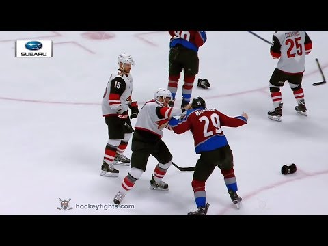 Jordan Martinook vs Nathan MacKinnon Mar 10, 2018