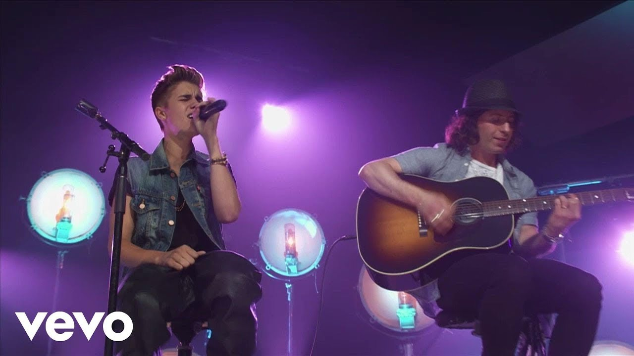 Justin Bieber - All Around The World (Acoustic) (Live)