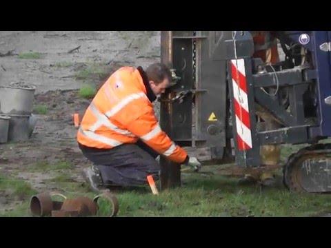 Oostflank Wijchen deel 5 / 7 buispalen heien