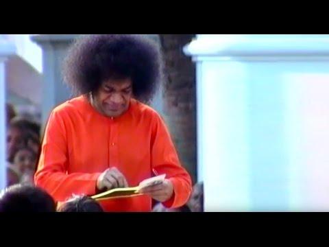 Thursday Divine Darshan of Sathya Sai Baba - Part 93