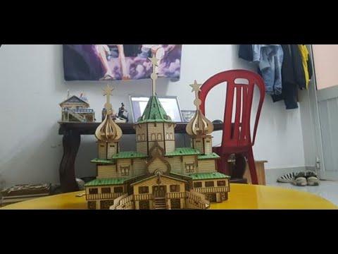 Mô hình Lắp ráp nhà  Giáng Sinh Nga bằng gỗ - Woodcraft Construction Kit Russian Christmas House