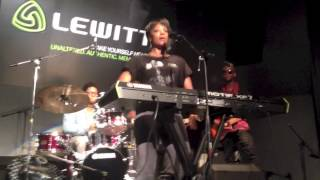 "Sy Smith singing ""Nights (Feel Like Getting Down)"" at NAMM 2013"