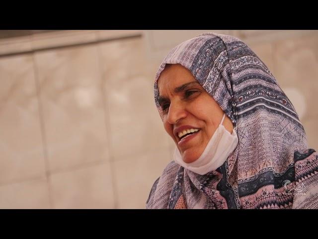 اليوم العالمي للمعلم تكريم المعلمة سويسي فضيلة من تلاميذ قسم 1984-1990 بدموع الذكرايات الجميلة