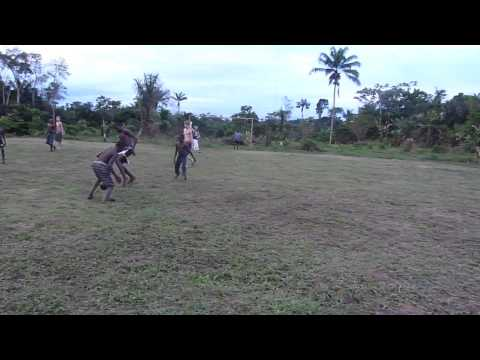 suriname voetbal in dorp