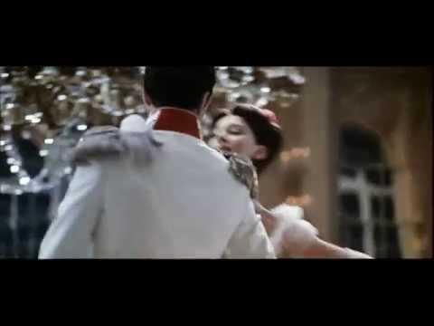 Валентина Толкунова и Леонид Серебренников - Диалог у Новогодней ёлки (из к/ф