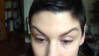 Comment maquiller des poches sous les yeux