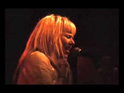 Kay Hanley- Brown Betty (TT The Bears/Cambridge MA 2006)