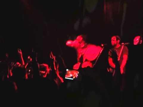 Нету паспорта (feat. Вахтанг)  Настоящего  Капитан Америка (Не берёт трубу) LIVE A-ONE - Noize MC - слушать онлайн
