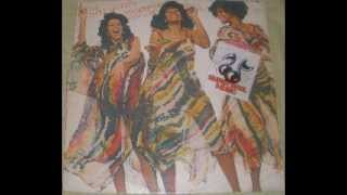 The Three Degrees Standing up for love (Album face1)1977 01. Standi...