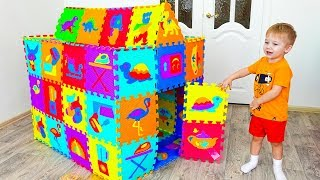 Alice Play and build colored Playhouse