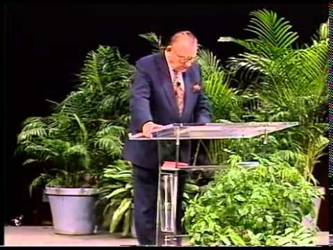 Lester Sumrall - Gifts of the Holy Spirit Part1