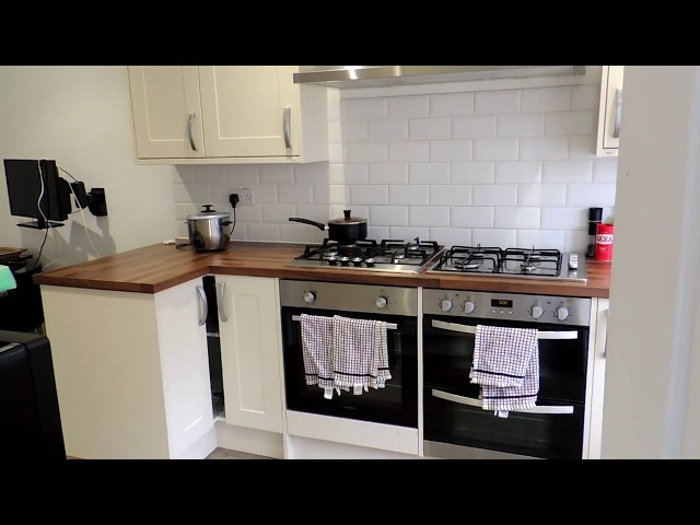 🌞Hi Spec Ensuite Room-Close Redhill High St Main Photo