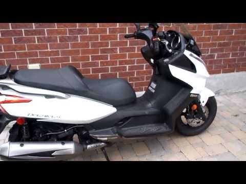 kymco downtown 300i scooter review after a 4 hour 300km test ride