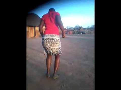 Tsholotsho girl twerks big tym