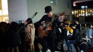 기타테이너 정선호 - 인생의 회전목마 (하울의 움직이는성 ost) @홍대 거리공연 17.03.18