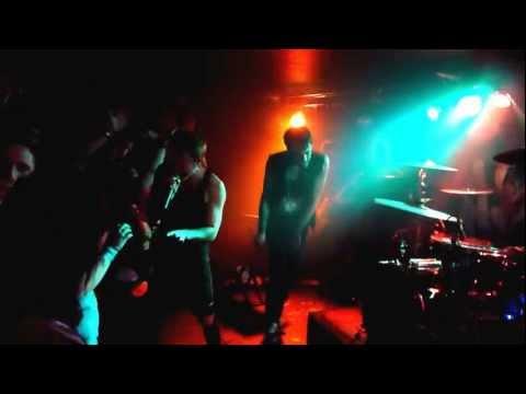 A Skylit Drive - Love The Way You Lie (LIVE)