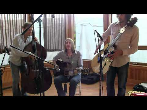 "Acoustic Sessions at The Festy : The Wood Brothers ""When I Was Young"""