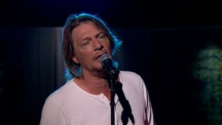 Tommy Nilsson sjunger sin favoritlåt Tell Me Father - Malou Efter tio (TV4)