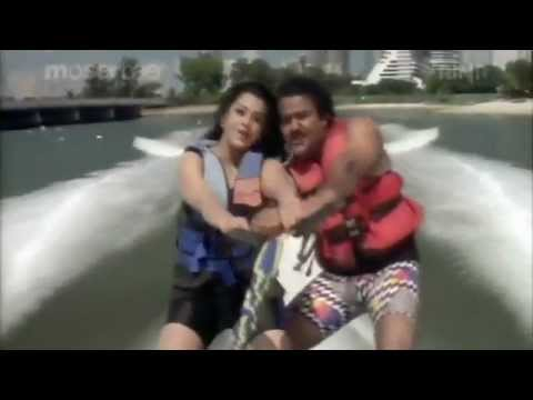 Varnapakittu -- Vellinilawith Lyrics-Mohanlal & Meena