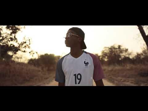 Youtube: Teaser album 19 – Intro Mansa feat. Salif Keïta