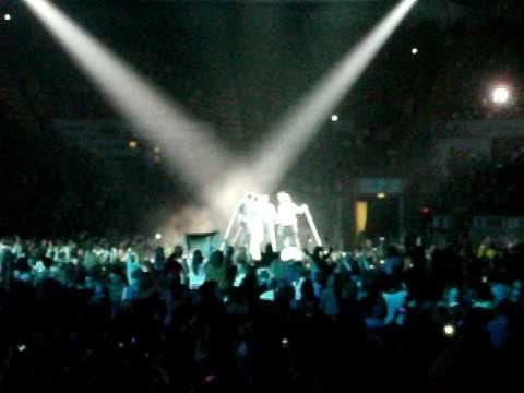 One Direction- My Life Would Suck Without You- Nottingham Capital FM Arena